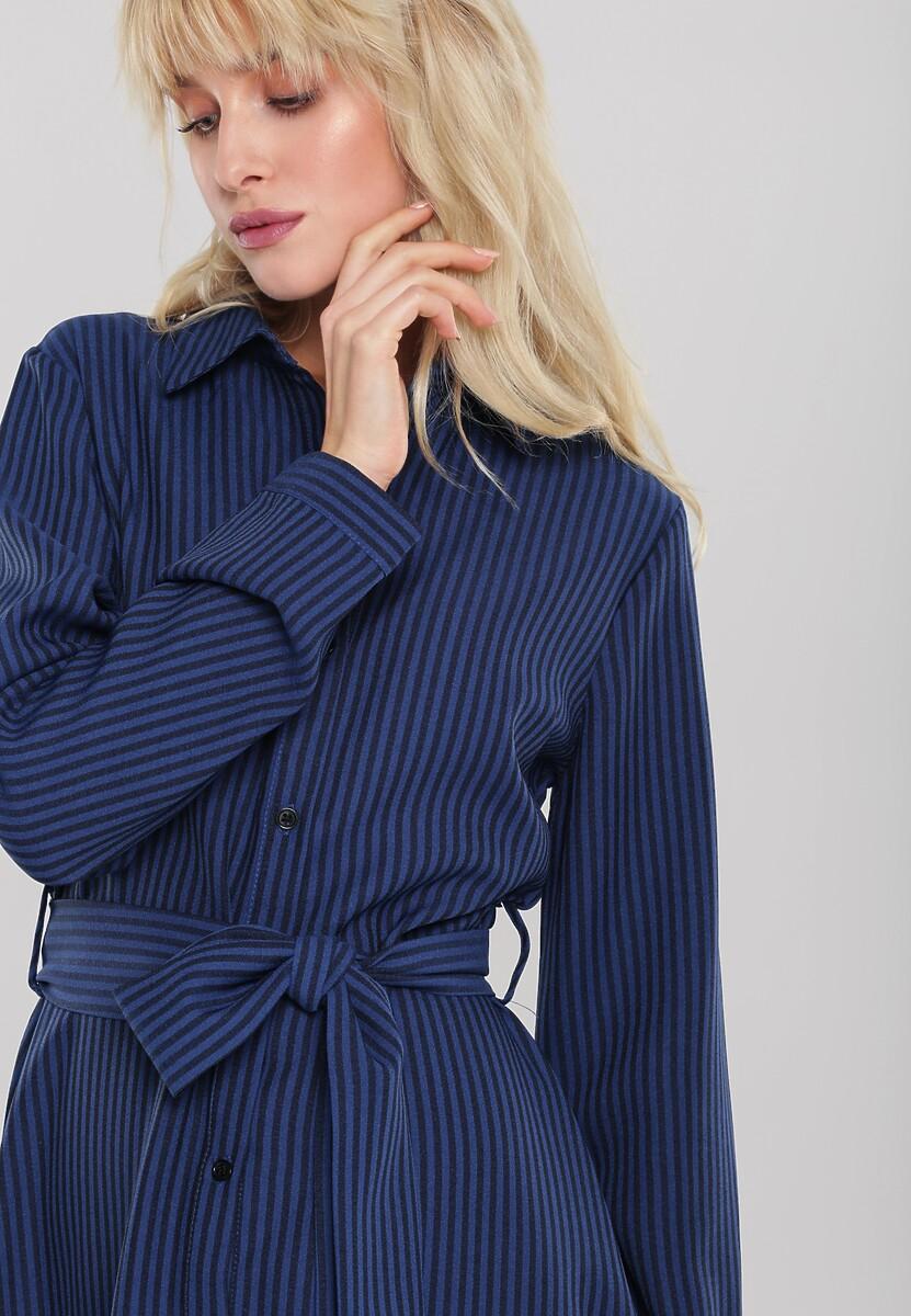 Ciemnoniebieska Sukienka Whither