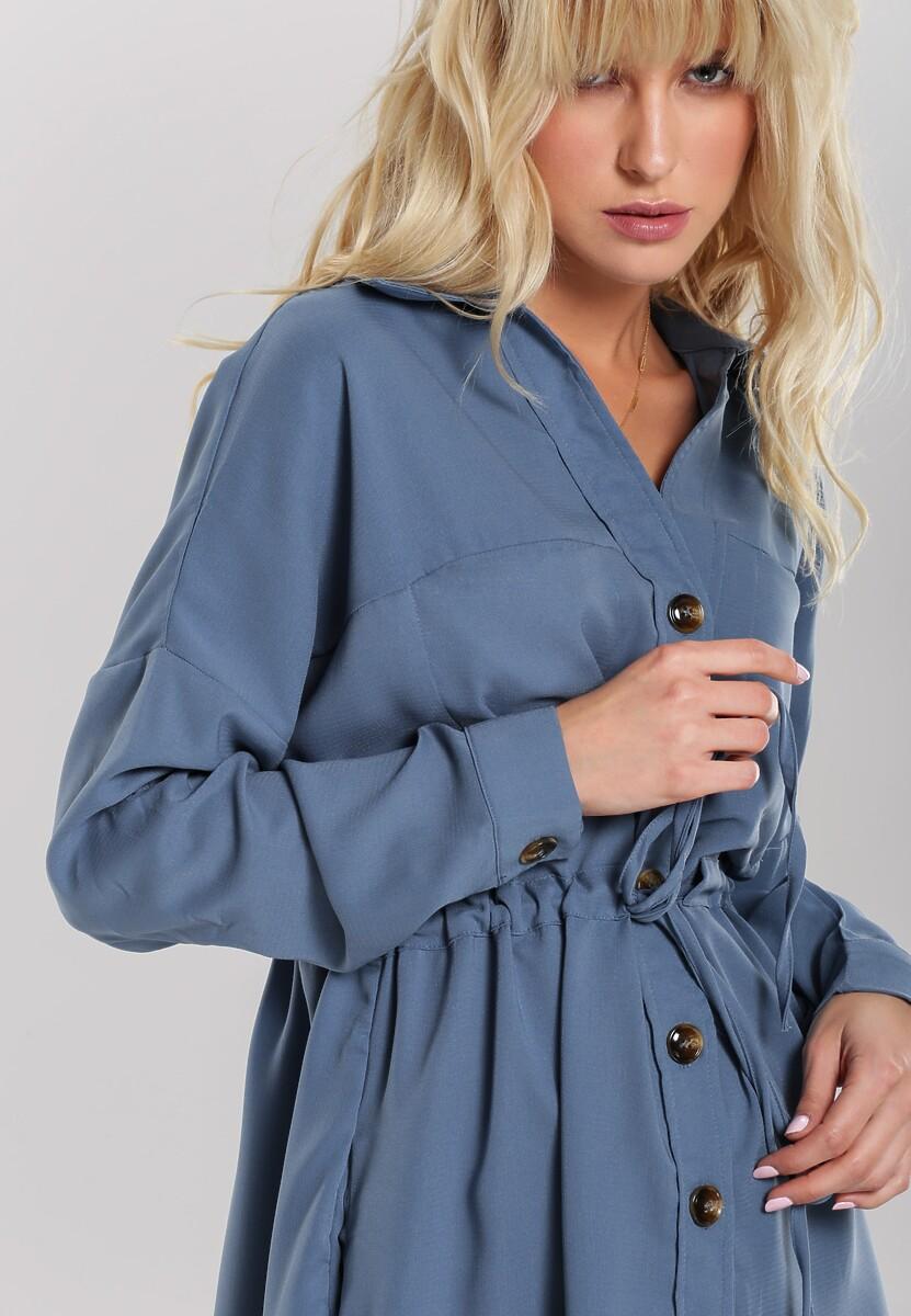 Niebieska Sukienka Edgelands