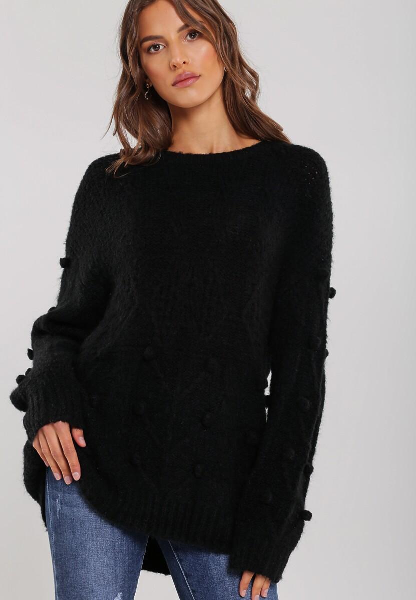 Czarny Sweter Showing