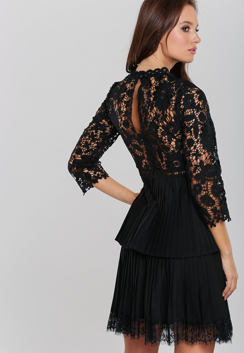 Czarna Sukienka Merriwether