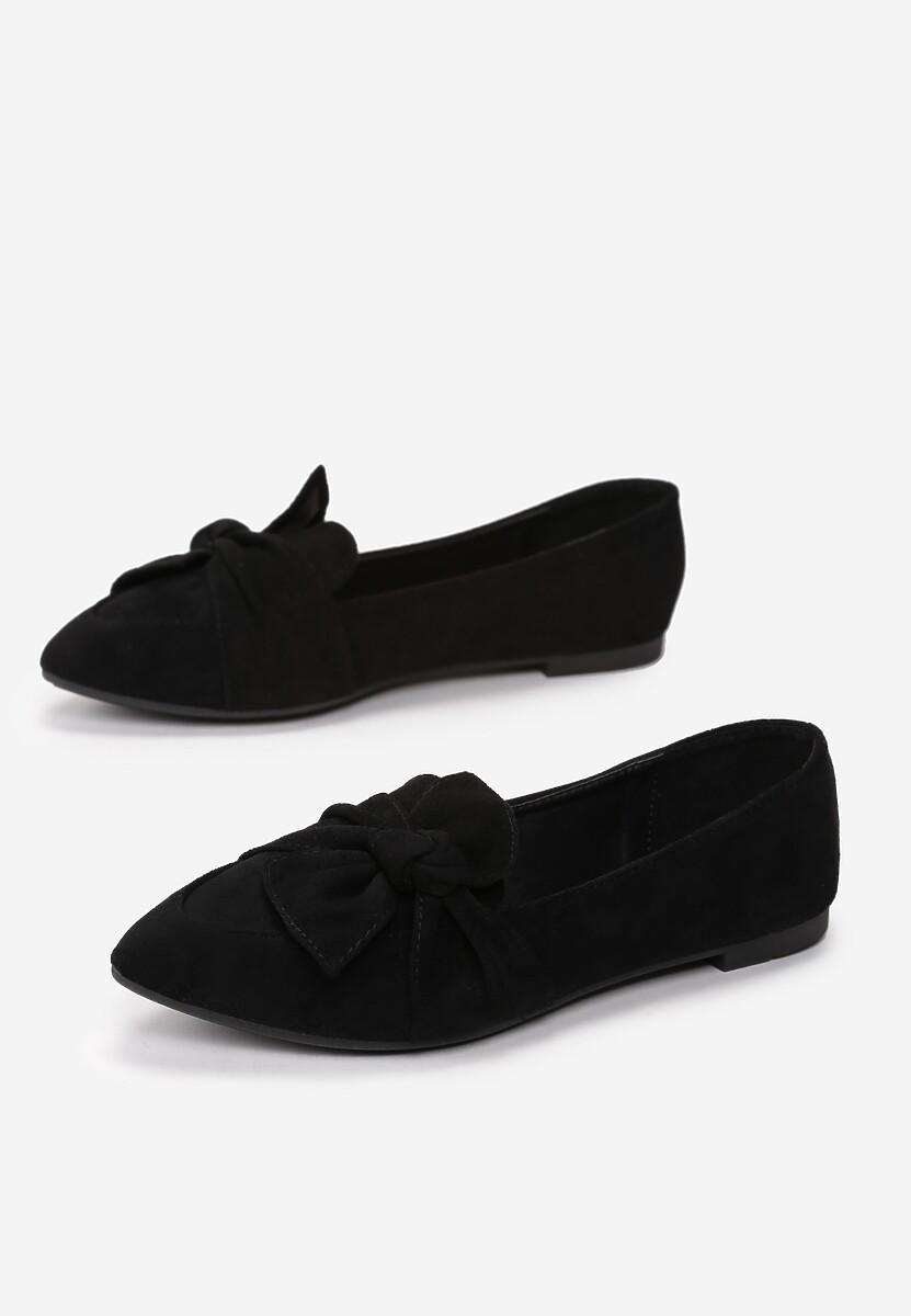 Czarne Mokasyny Dioly