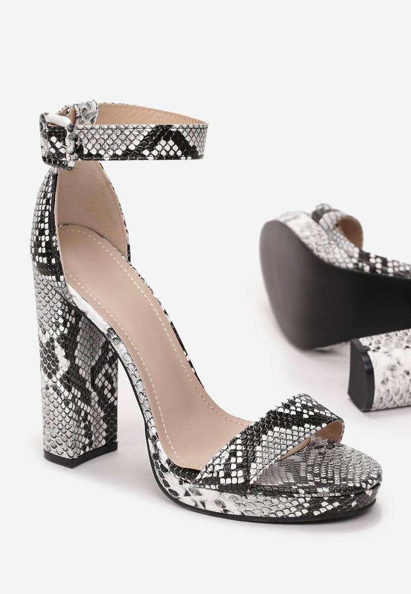 Czarne Sandały Laomemisa