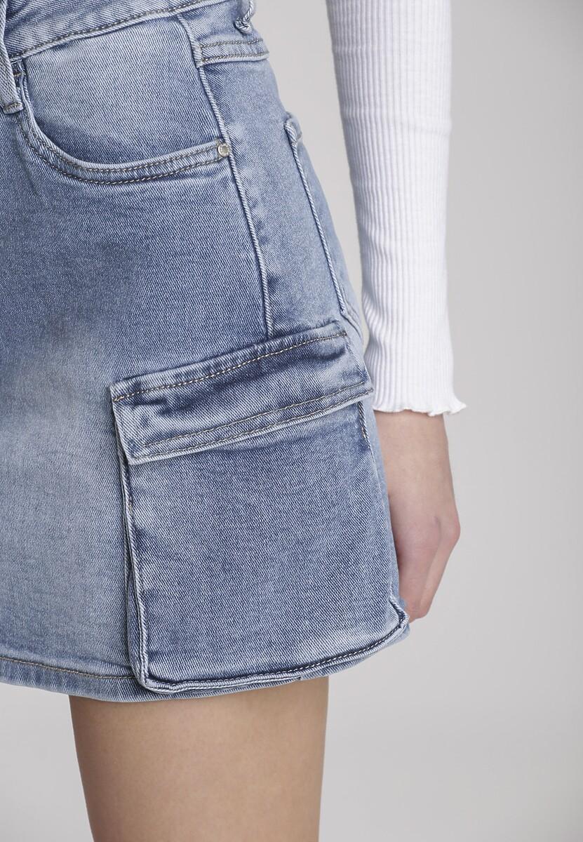 Niebieska Spódnica Pisiliria
