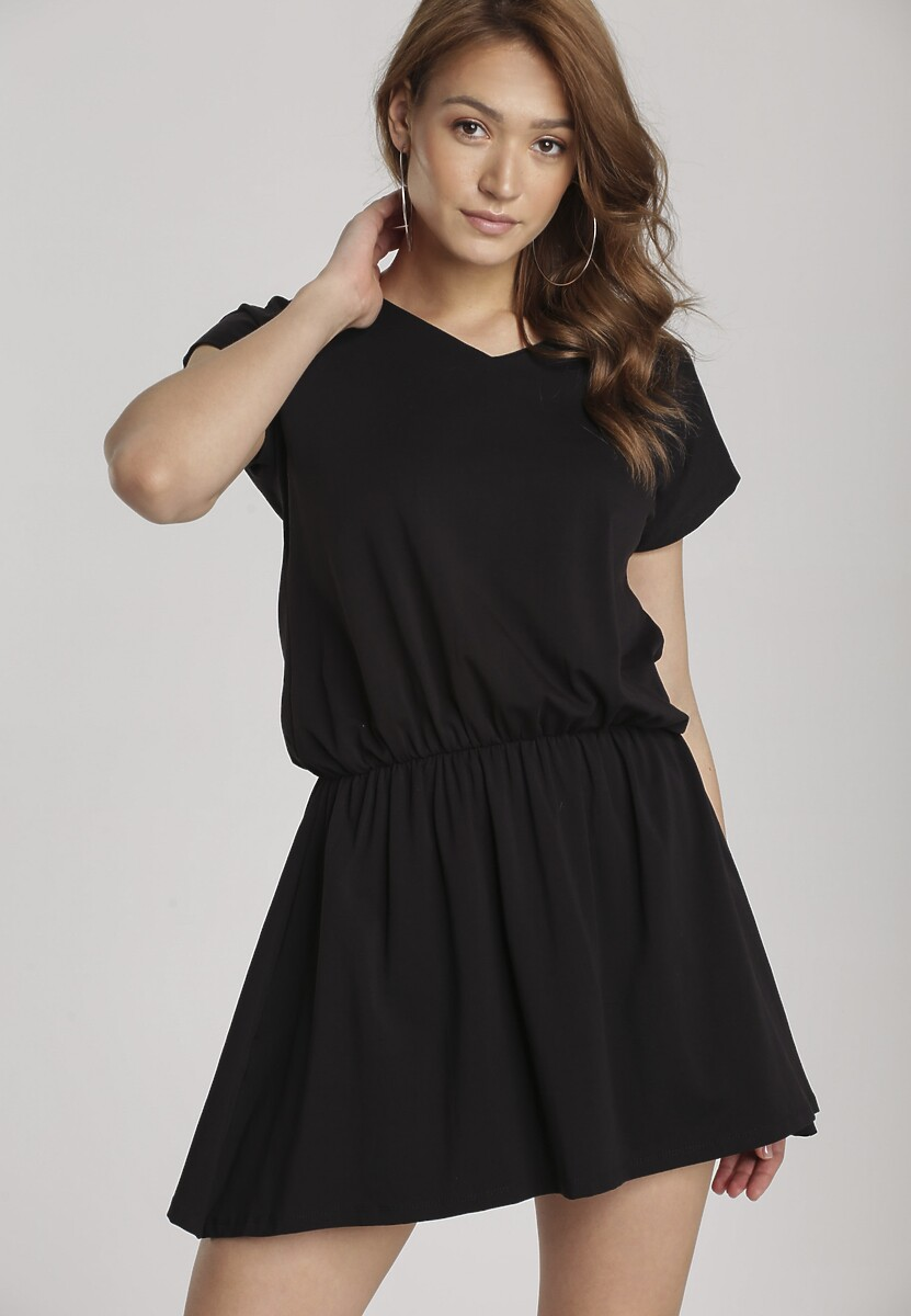 Czarna Sukienka Daeicia