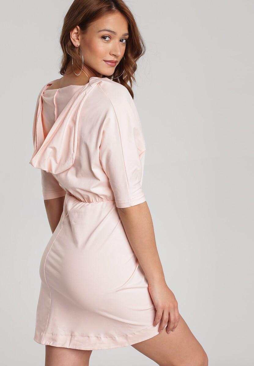 Jasnoróżowa Sukienka Aquaneh