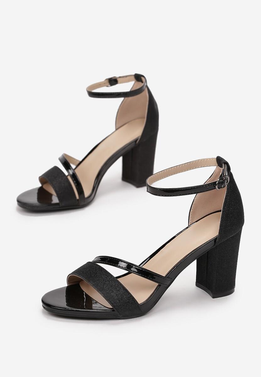 Czarne Sandały Shegana
