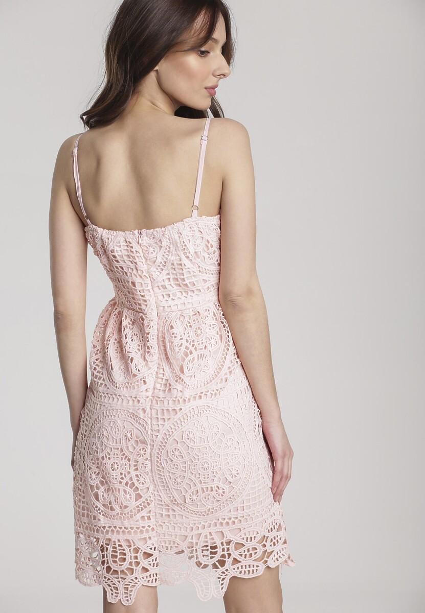 Różowa Sukienka Assalin