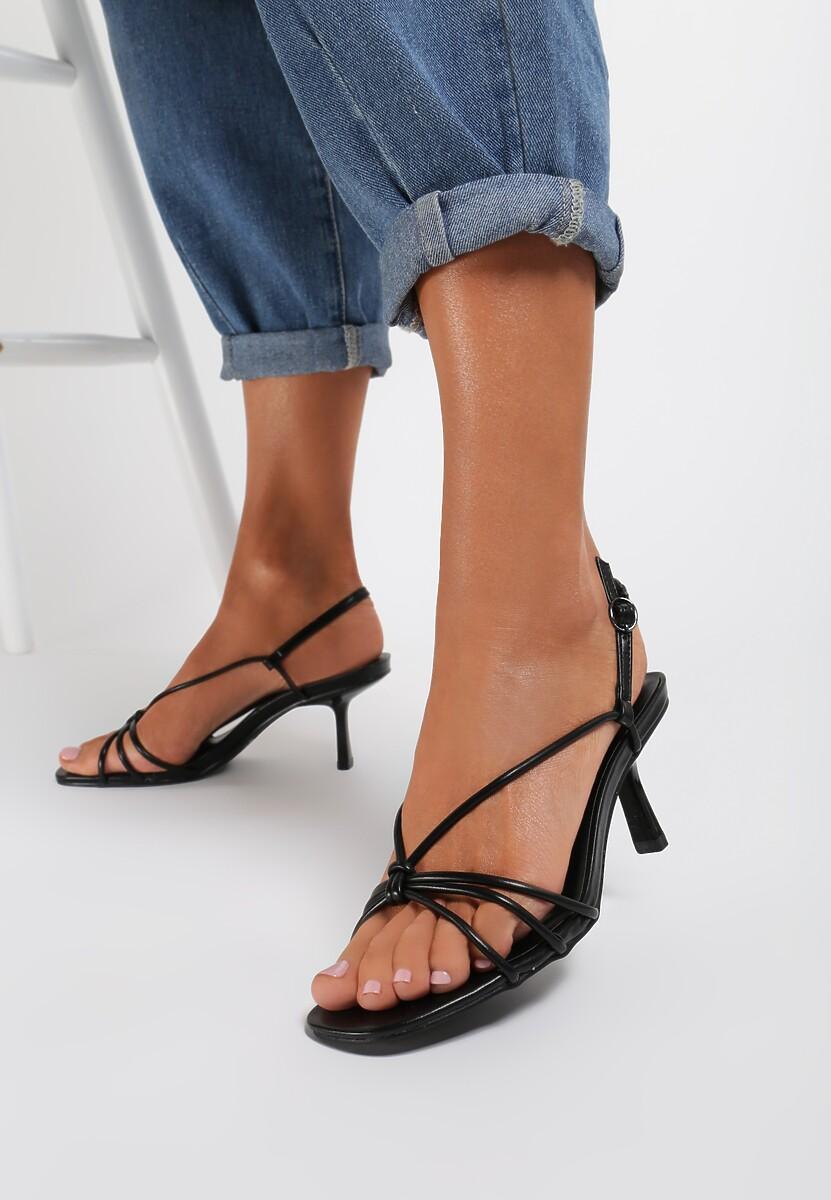 Czarne Sandały Aegala