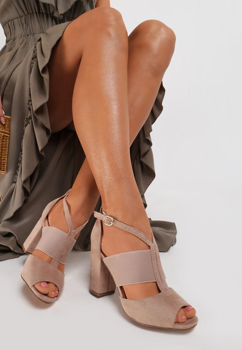 Beżowe Sandały Adriamere