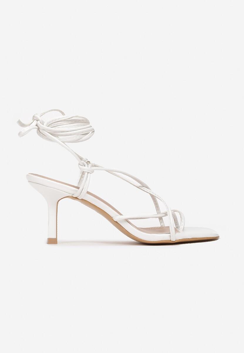 Białe Sandały Zelimeni