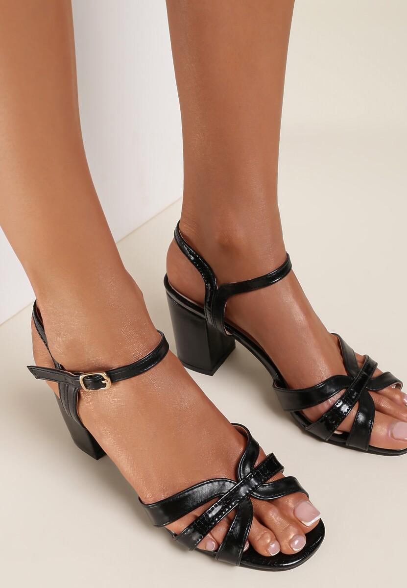 Czarne Sandały Aethemilia