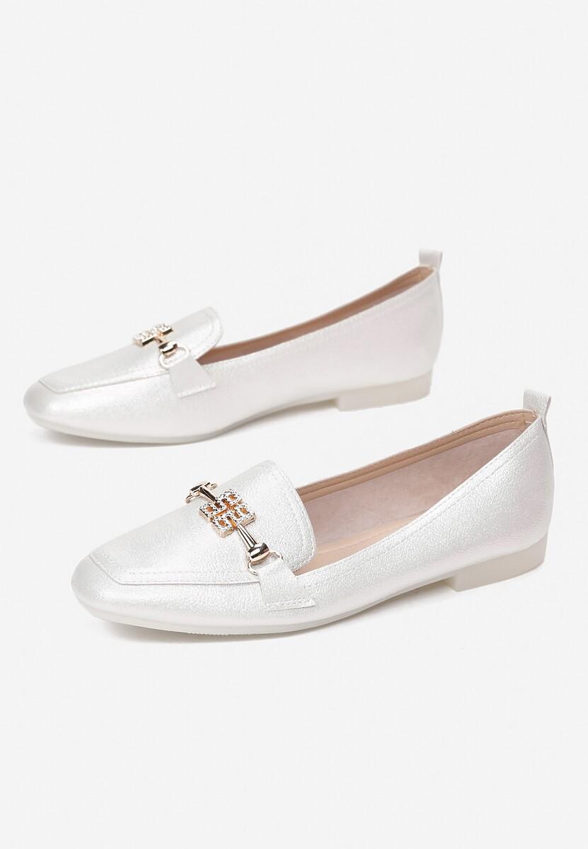 Białe Mokasyny Shirinneth