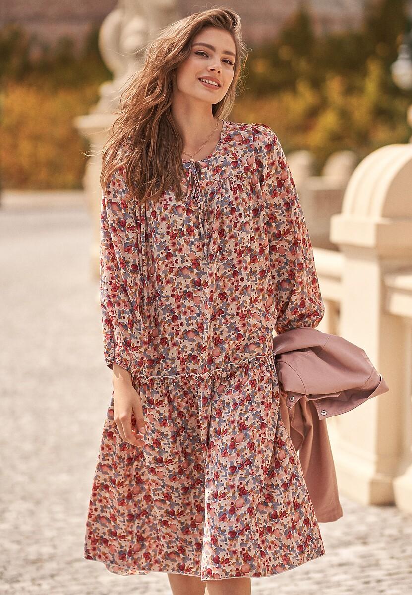 Biało-Różowa Sukienka Winova