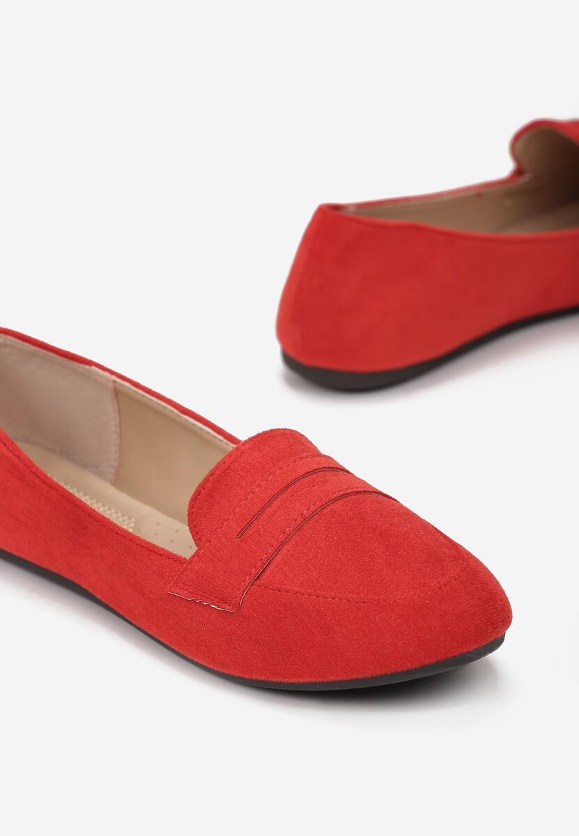 Czerwone Mokasyny Larailia