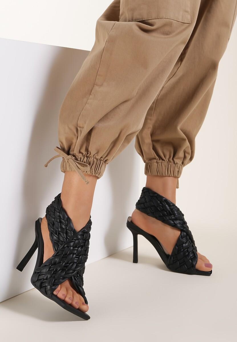Czarne Sandały Daphneilla