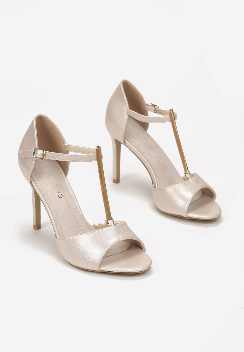 Perłowe Sandały Astreis