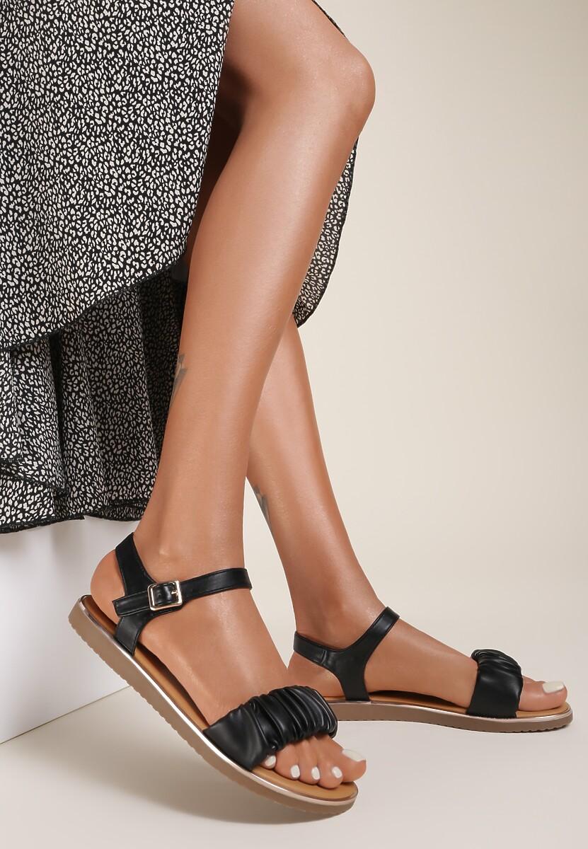 Czarne Sandały Kaphaia