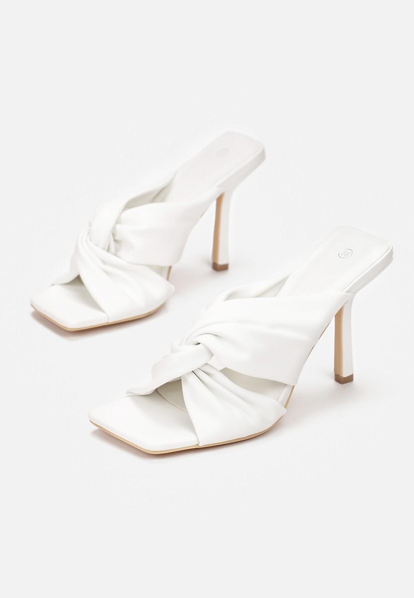 Białe Klapki Nahvere
