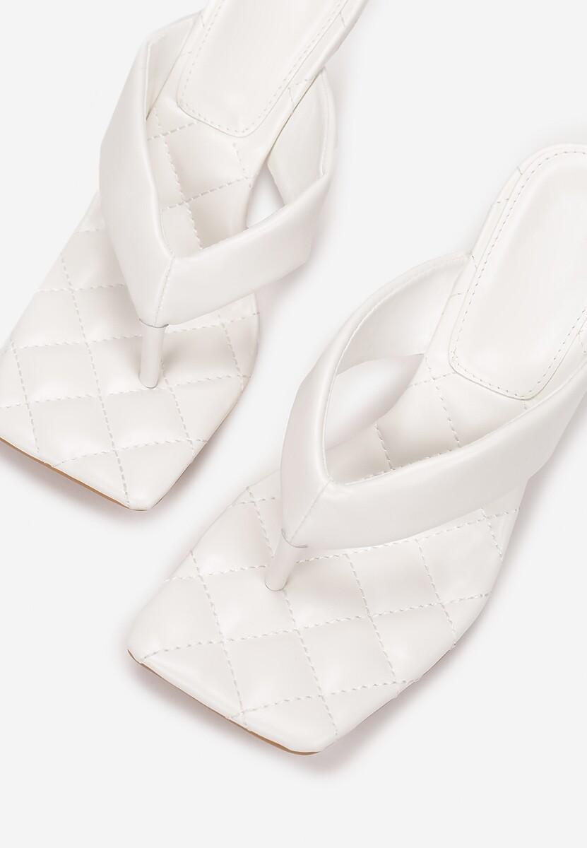 Białe Klapki Saphaxiope