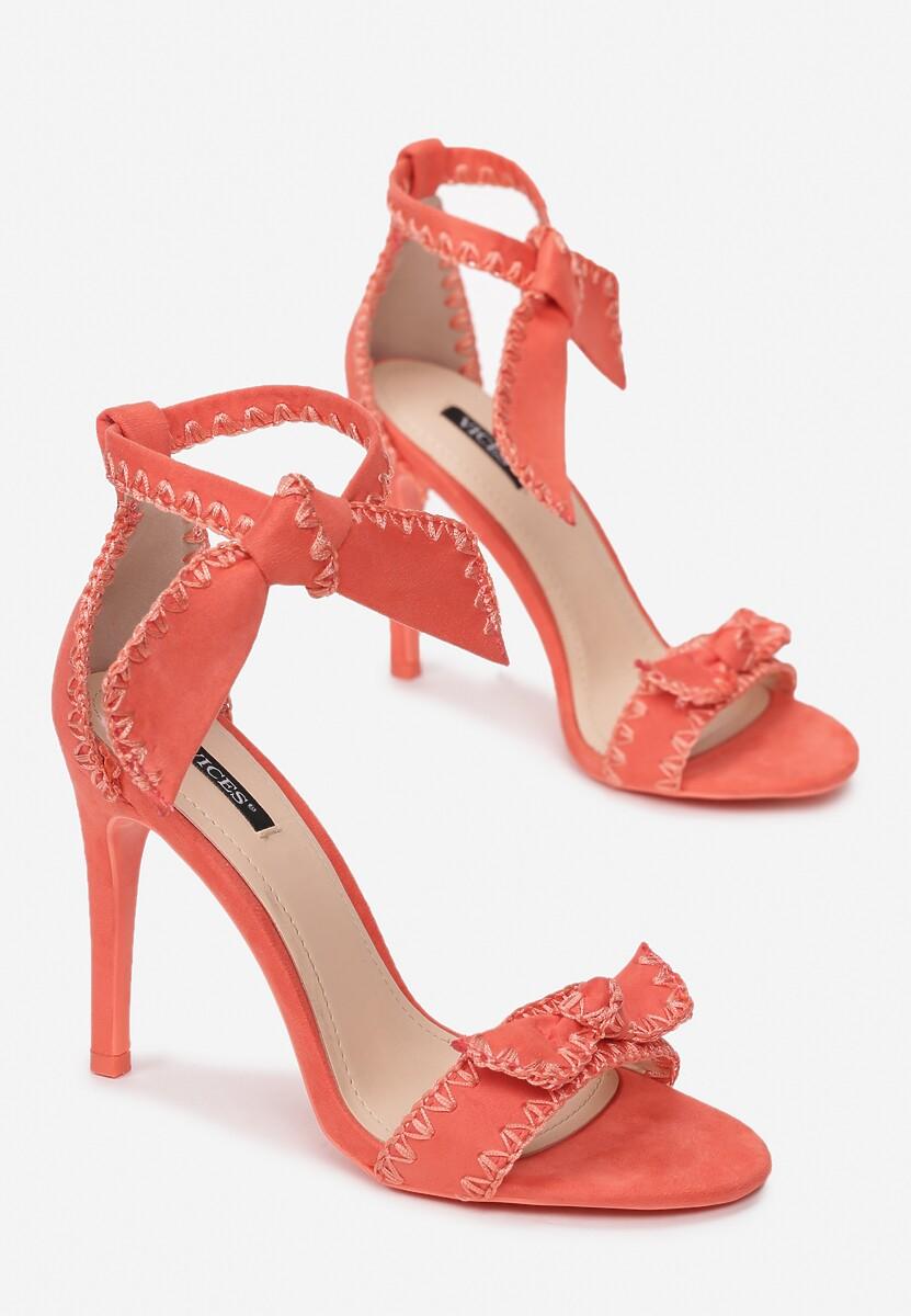 Koralowe Sandały Serendipity