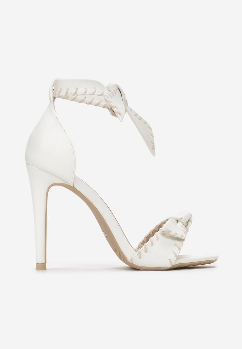 Białe Sandały Dropping A Sound