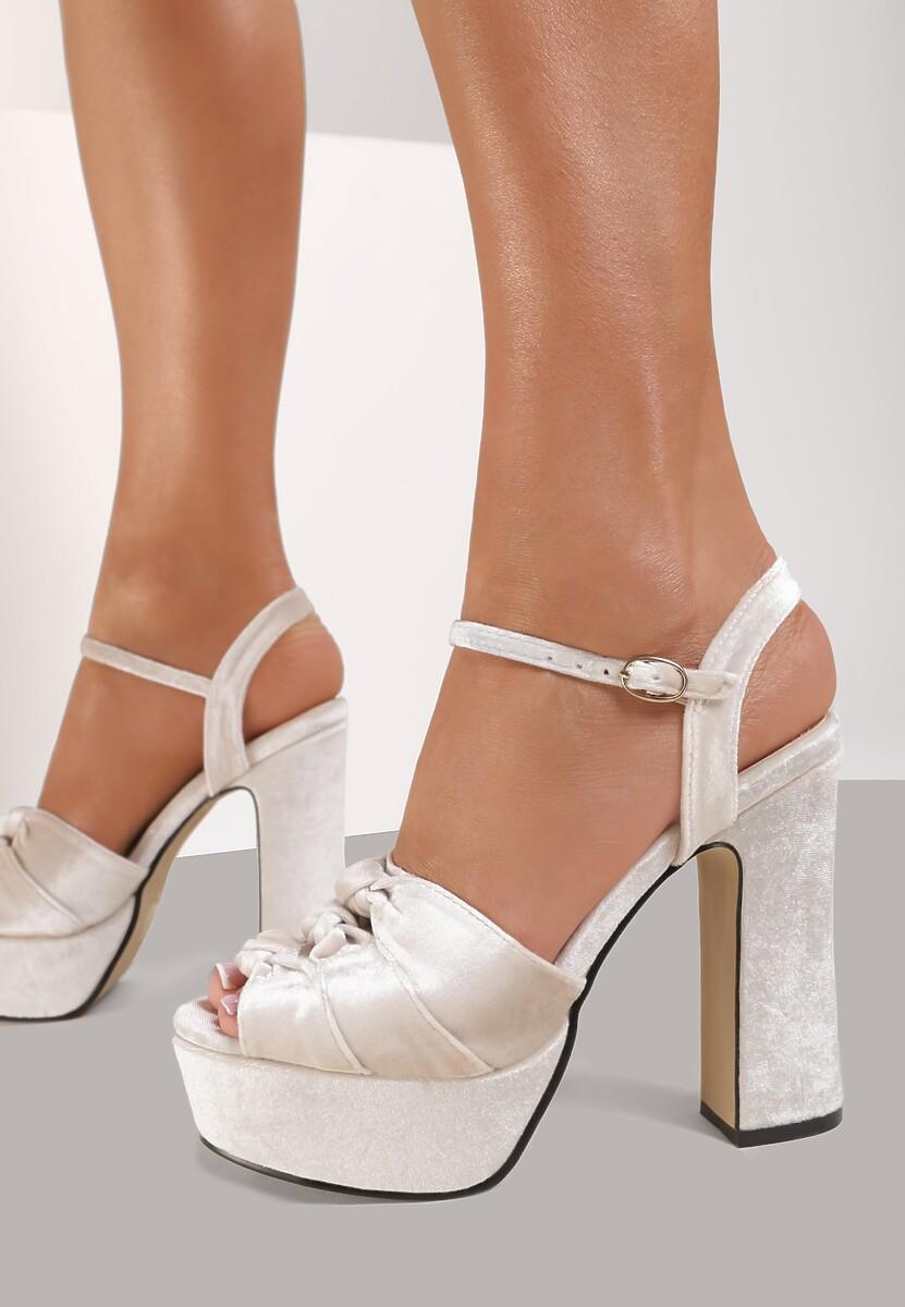 Beżowe Sandały Conviction