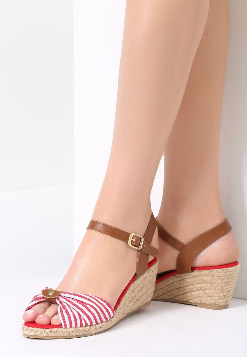 Czerwone Sandały Capsize