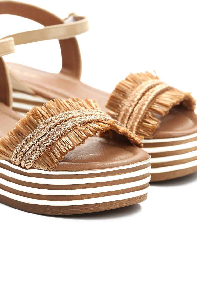Ciemnobeżowe Sandały Queen of Catwalk