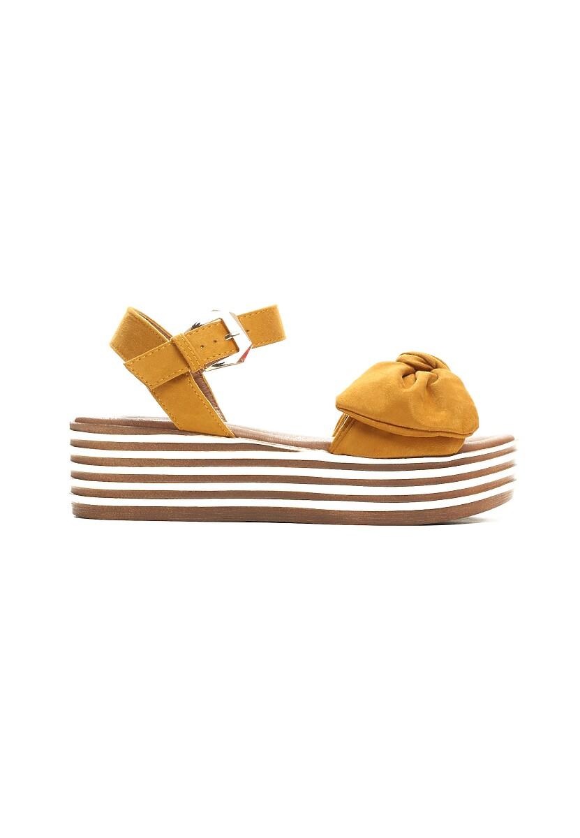 Musztardowe Sandały Etherealize