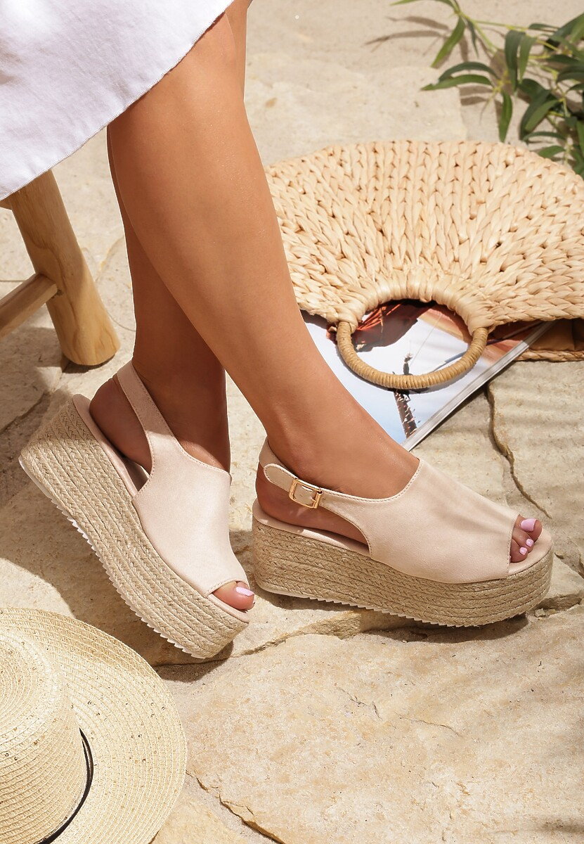 Beżowe Sandały Grotesque