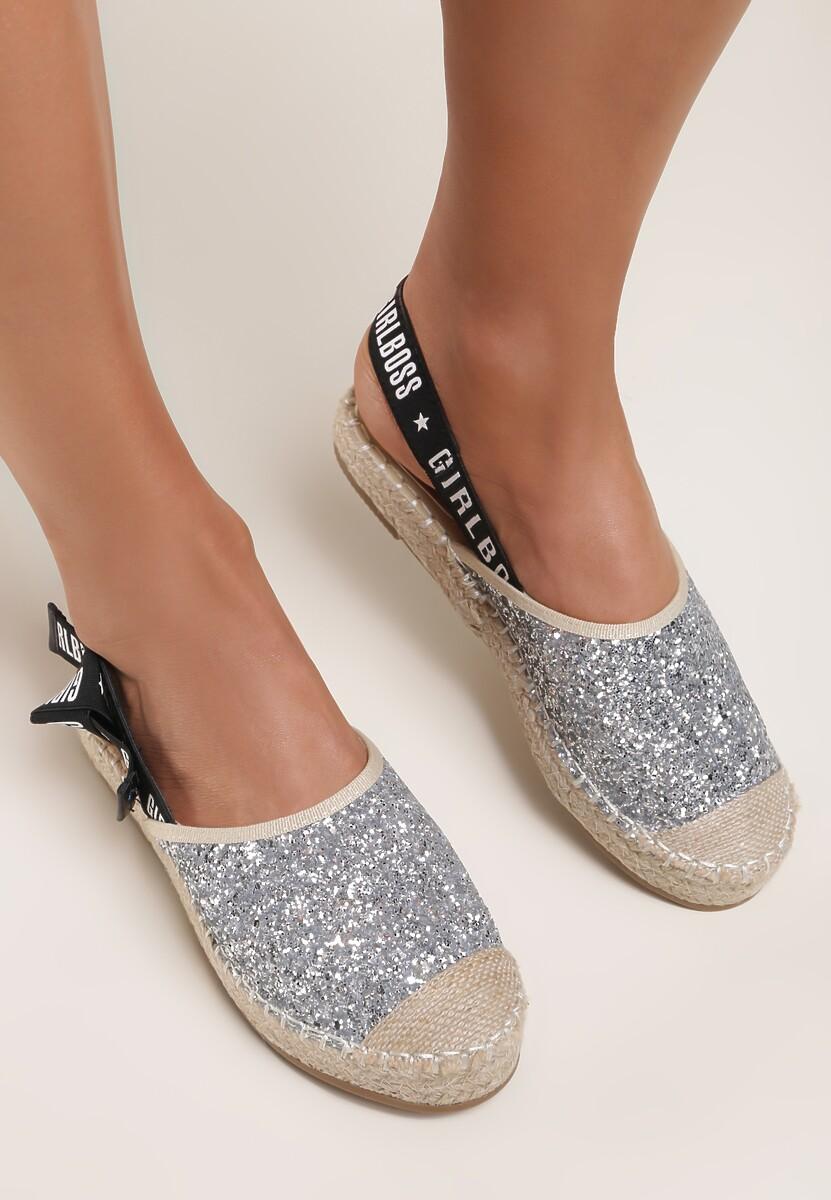 Srebrne Sandały Idiom