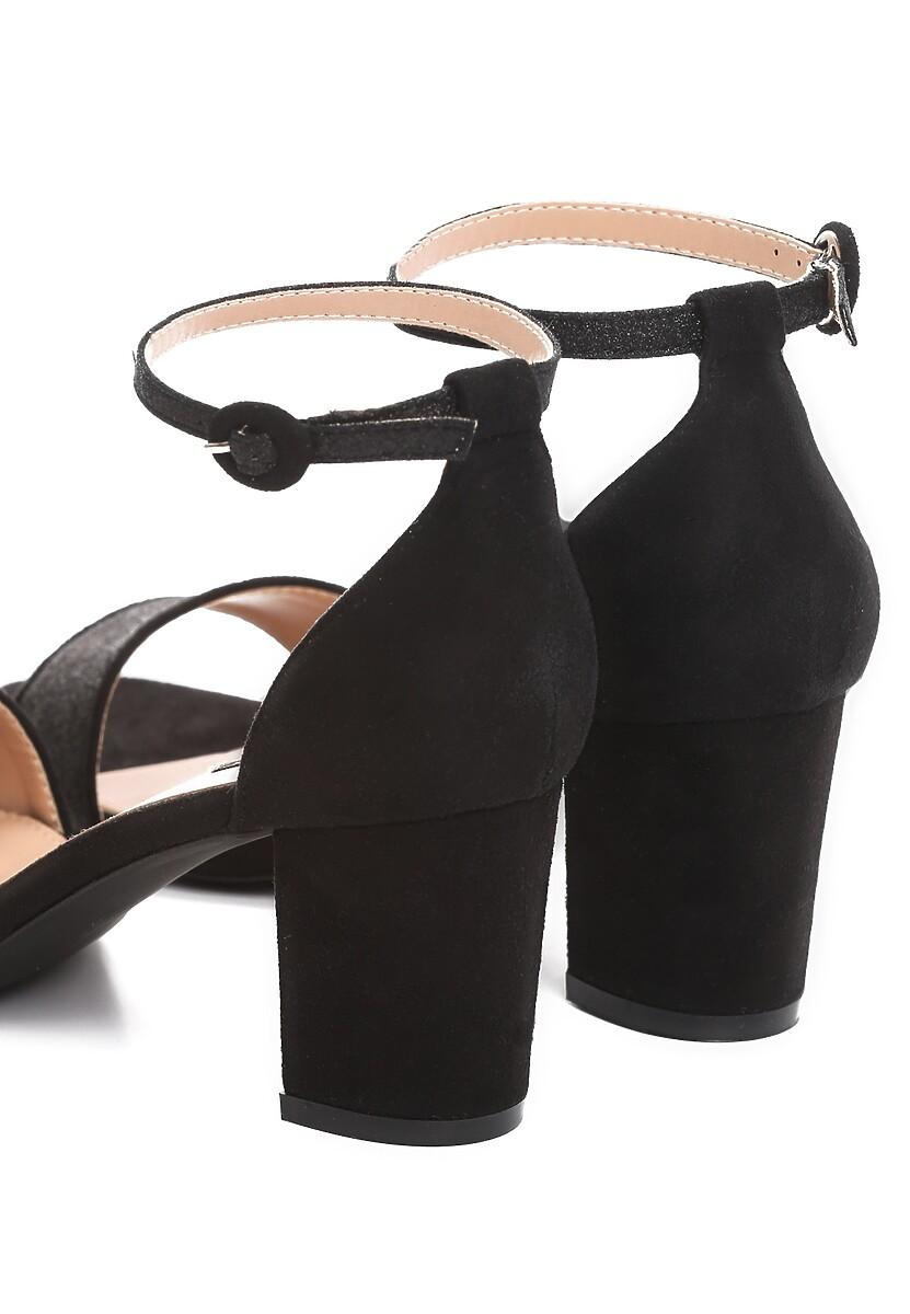Czarne Sandały Unswerving