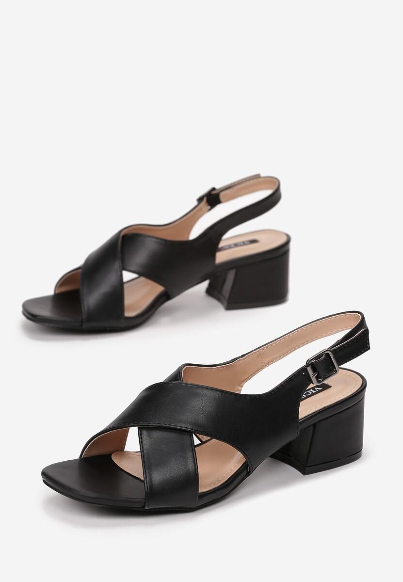 Czarne Sandały Prickly