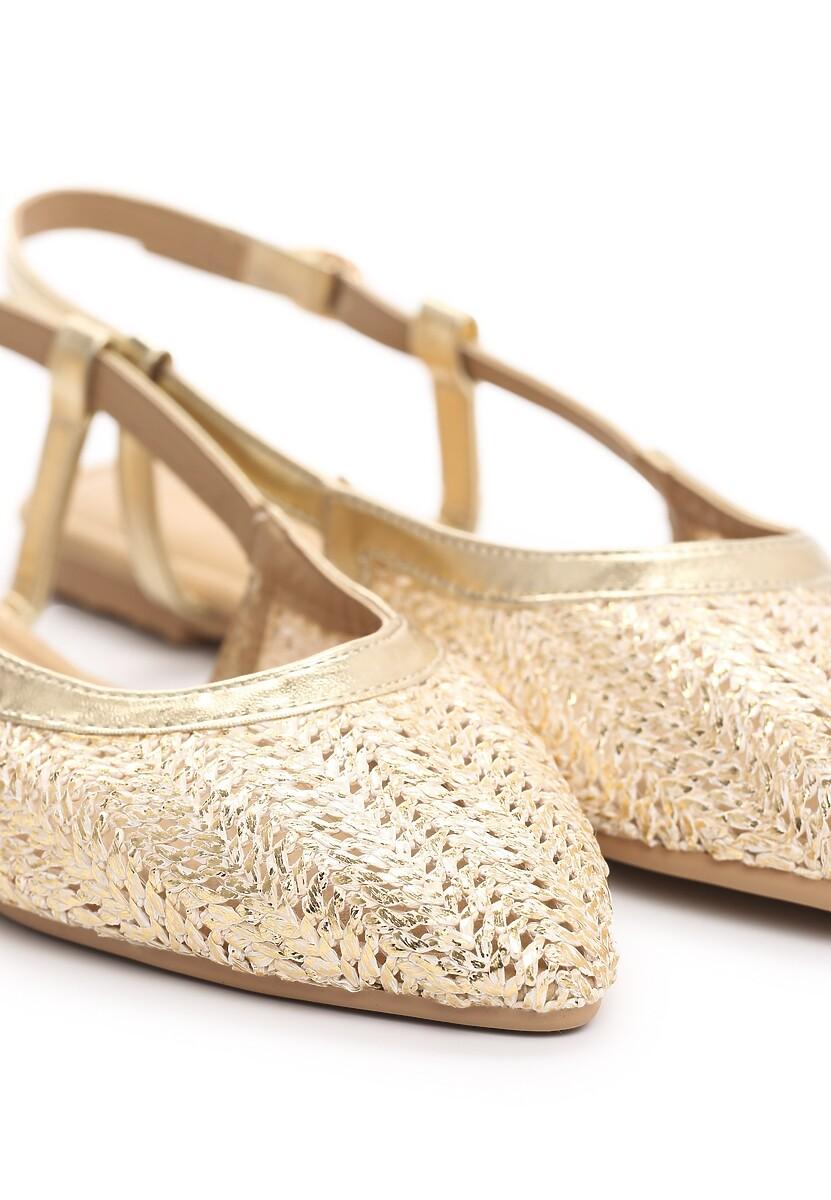 Złote Sandały Hanging In