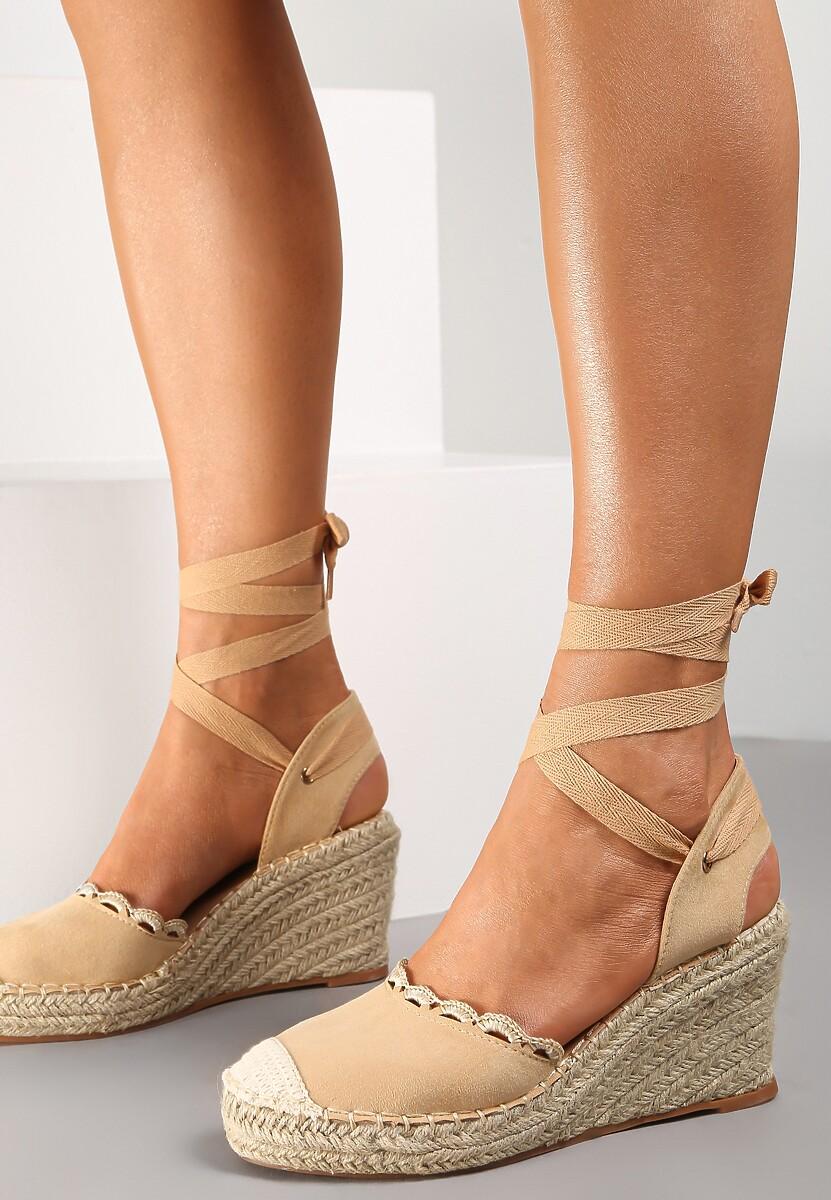 Ciemnobeżowe Sandały Orarinia