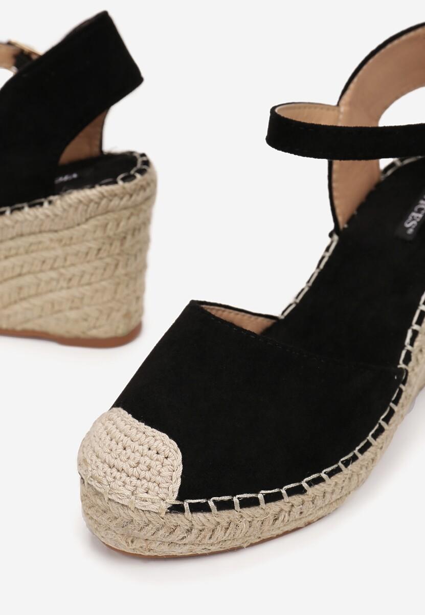 Czarne Sandały Assaciane