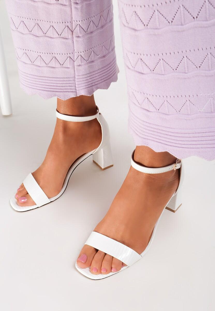 Białe Sandały Adomoni