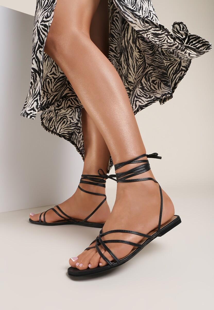 Czarne Sandały Aetheda
