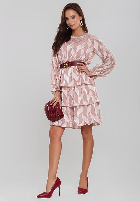 Jak stworzyć modne stylizacje z łososiową sukienką
