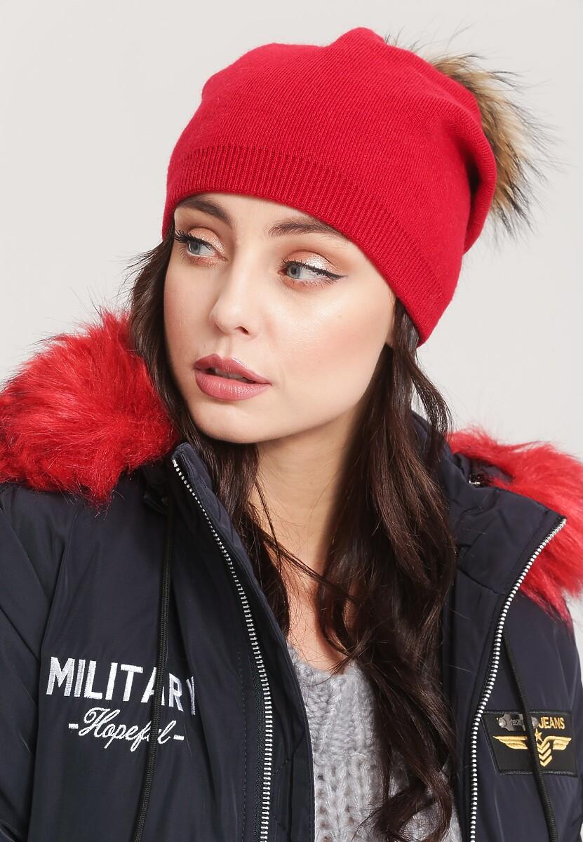 Czerwona Czapka Snow