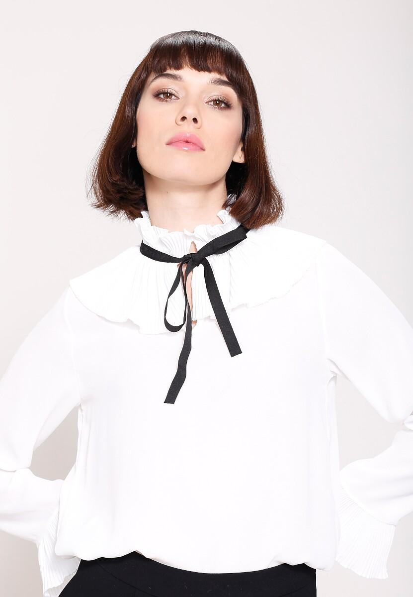 Biała Bluzka Byword