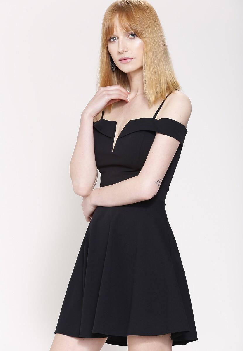 Czarna Sukienka Something New