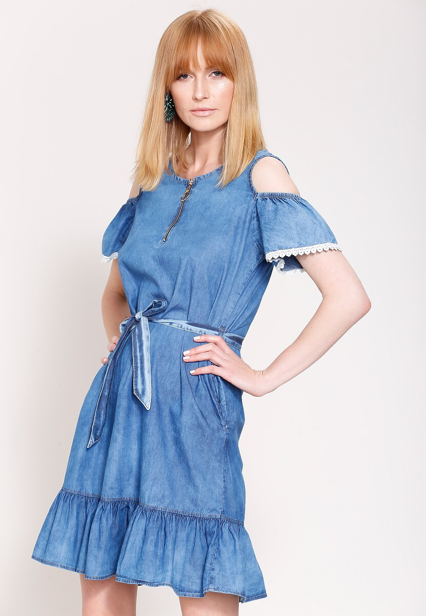 Niebieska Sukienka Pomander