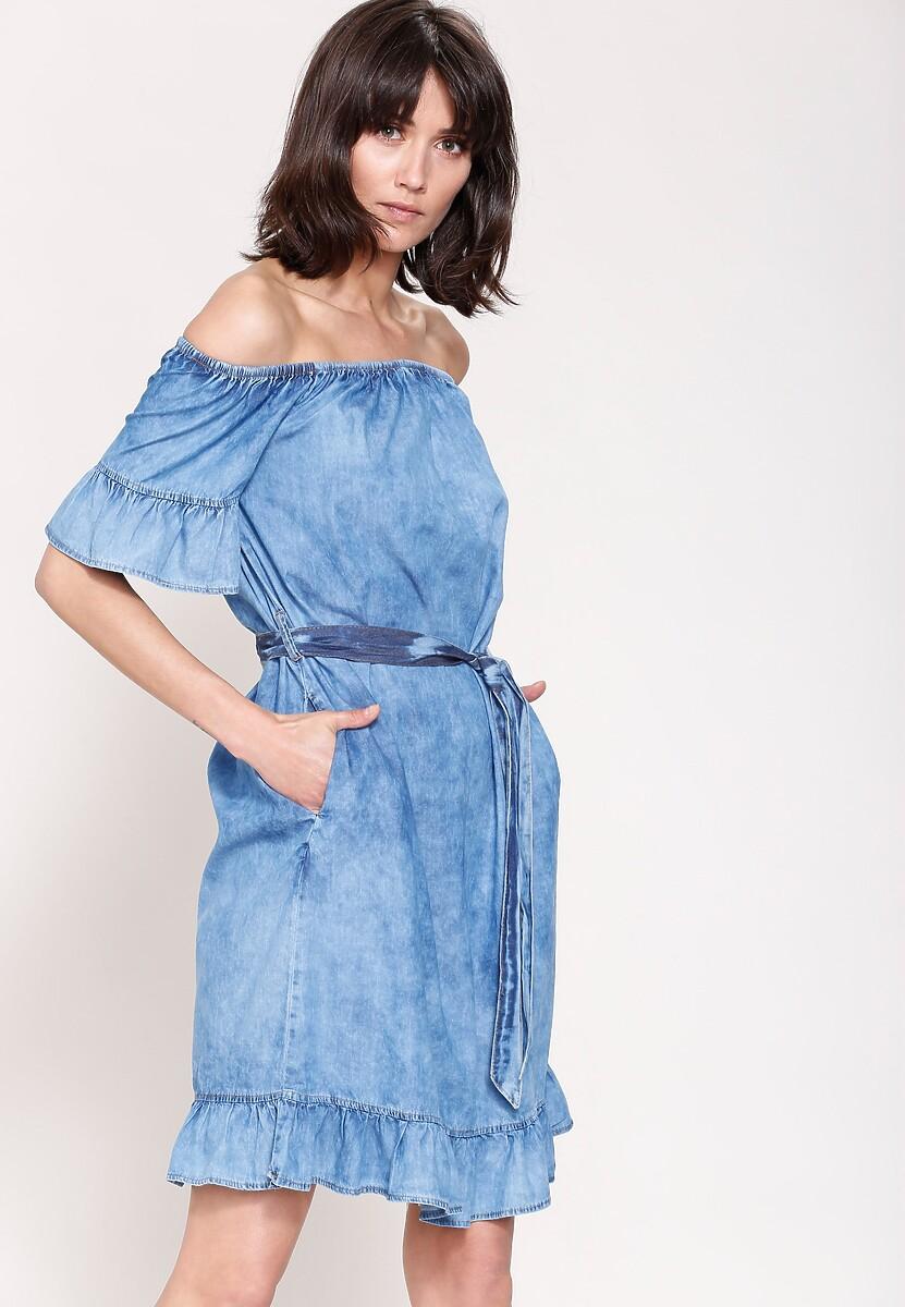 Niebieska Sukienka Trip To The Moon
