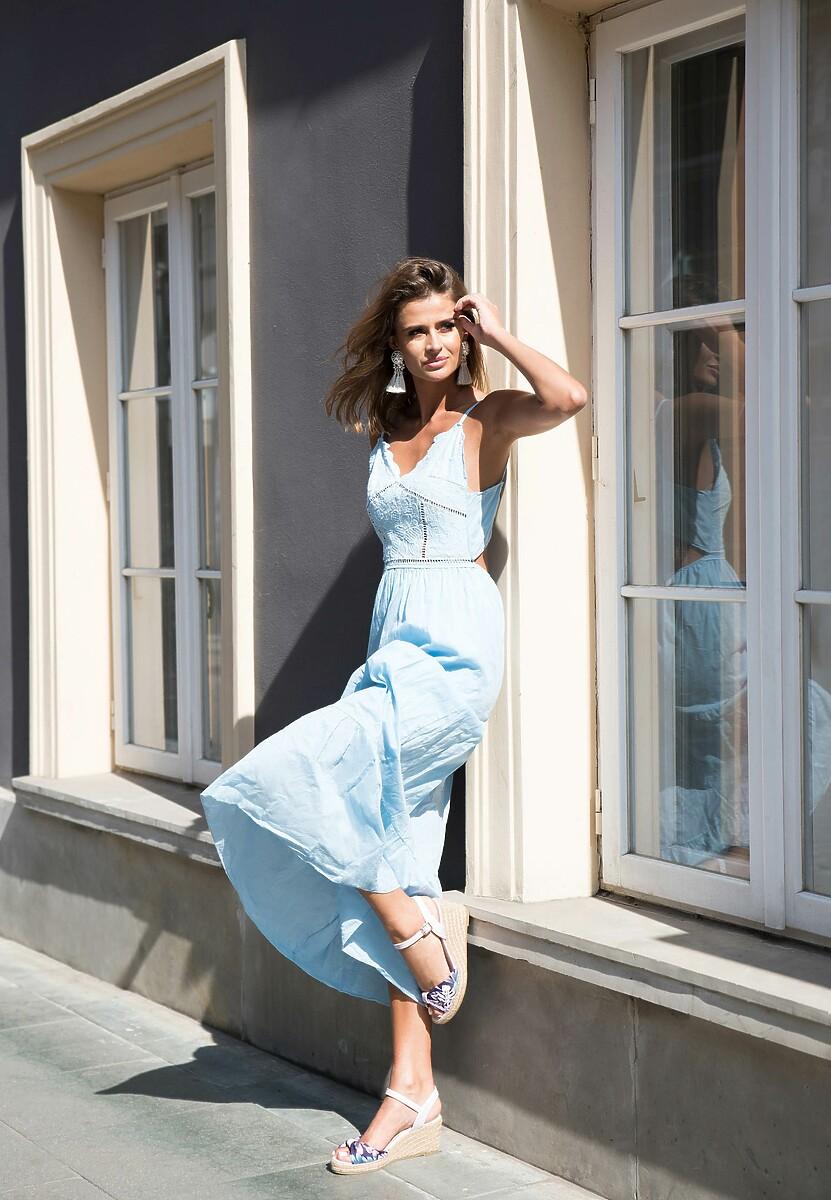 Jasnoniebieska Sukienka Give a Little More