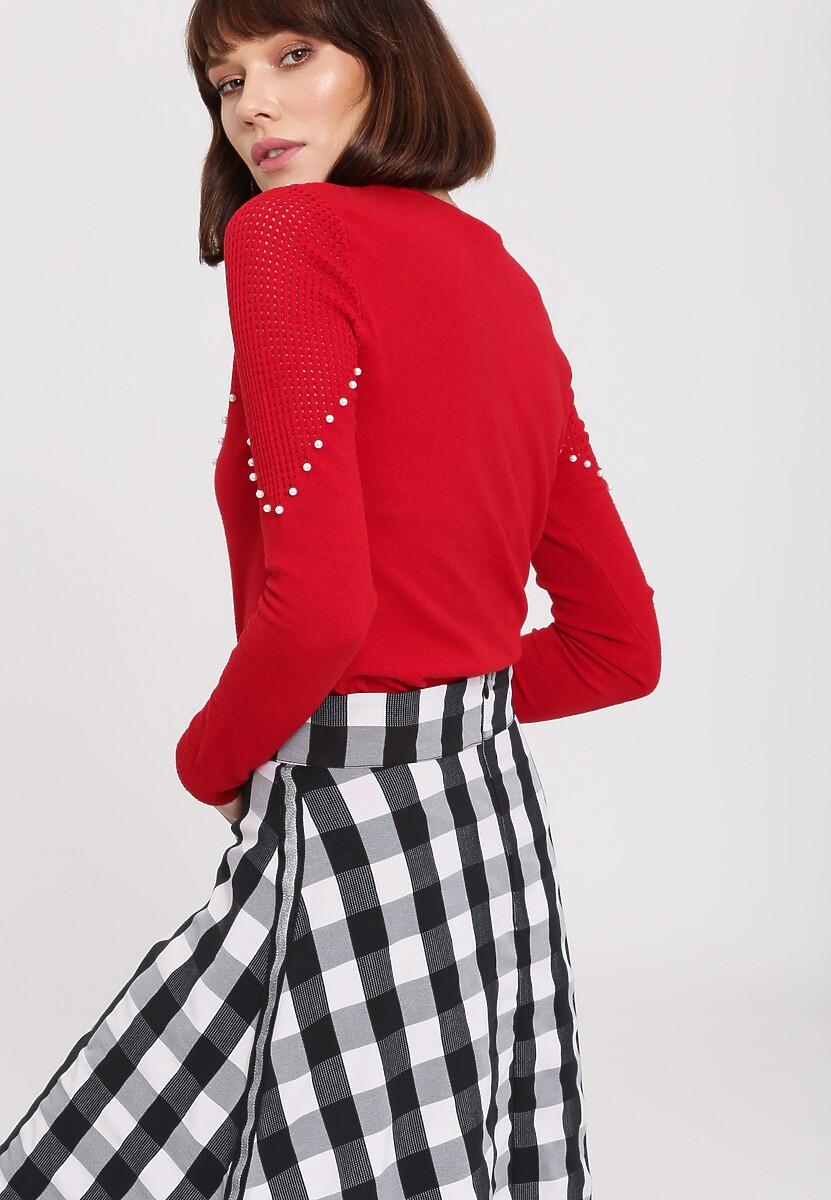 Czerwony Sweter Waiting Time