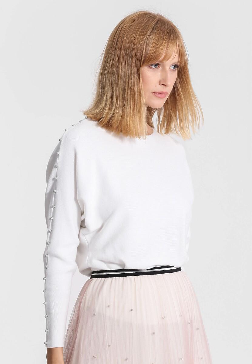 Biały Sweter Around Us
