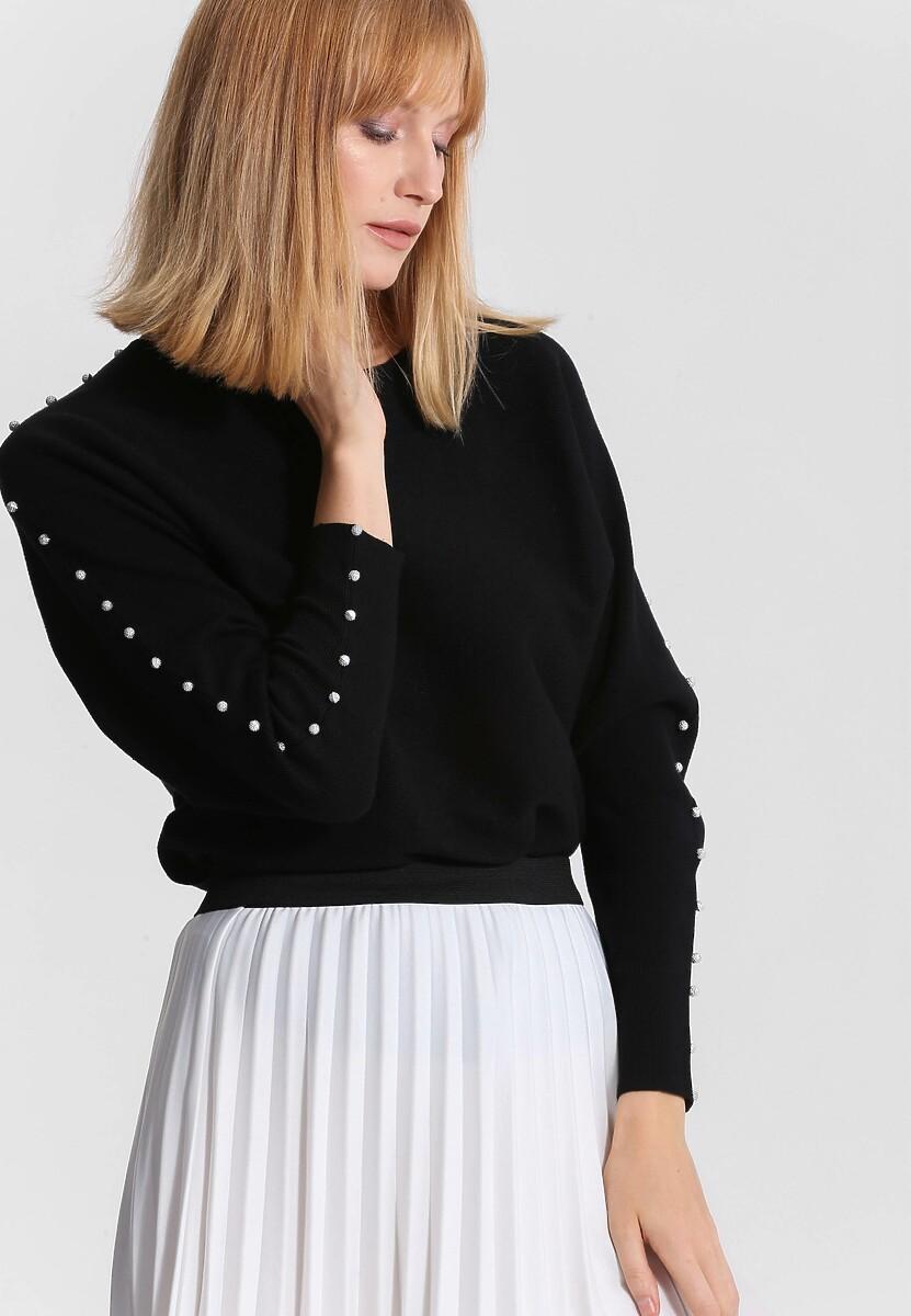 Czarny Sweter Around Us