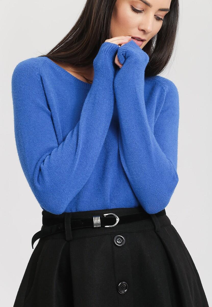 Ciemnoniebieski Sweter Average