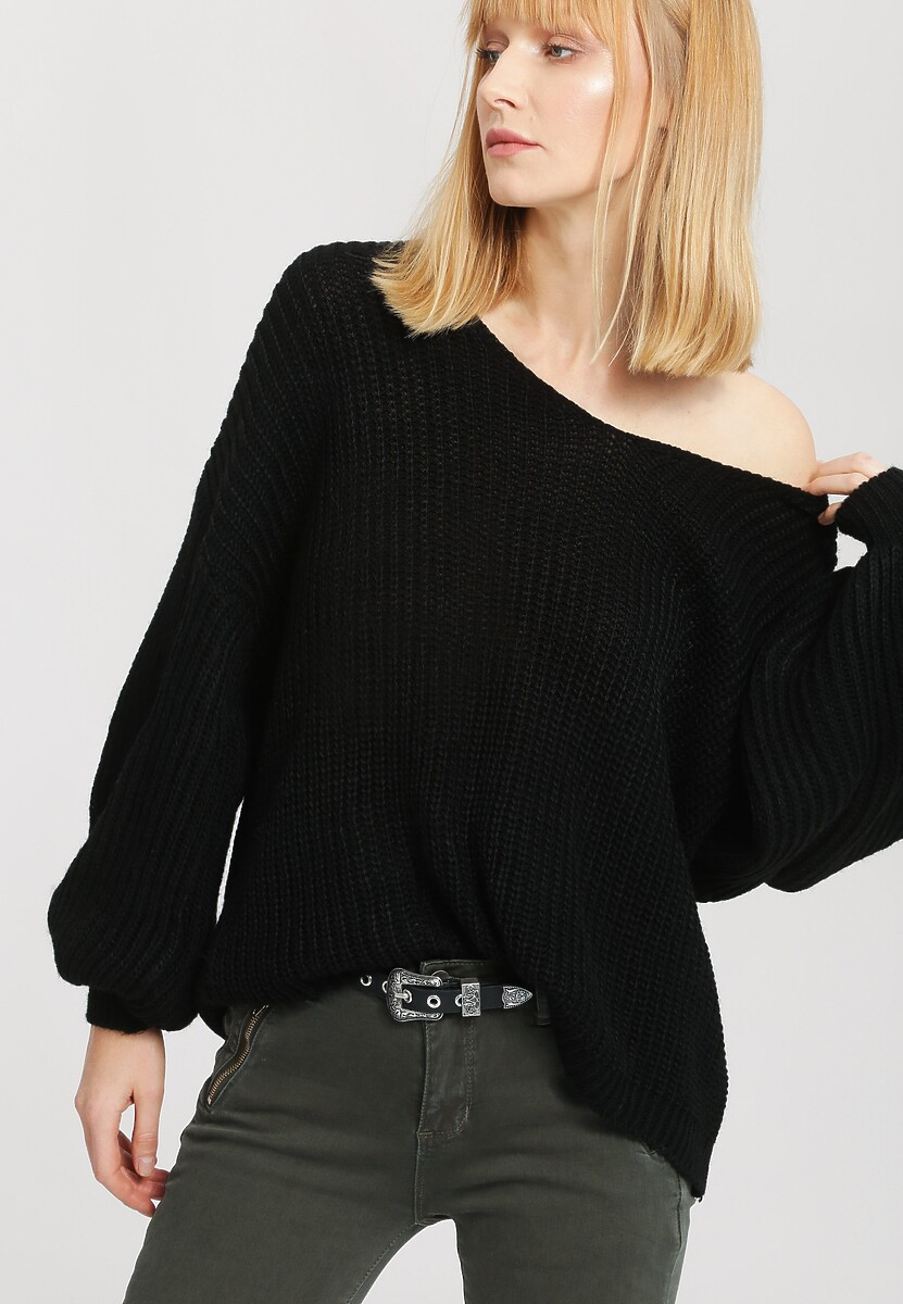 Czarny Sweter Below